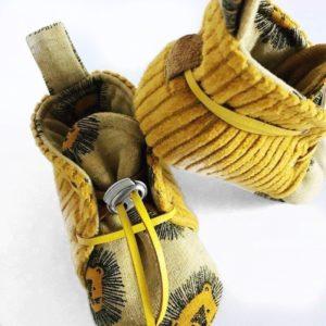 chaussons-velours-jaune