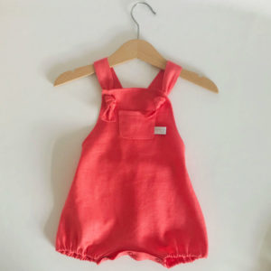 salopette-corail-bebe
