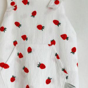 Salopette fraises en coton lavé